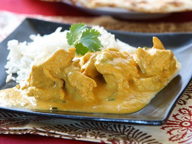 Pechugas de pollo con salsa de mostaza y curry