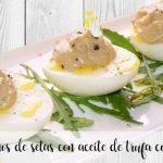 Huevos rellenos de setas con aceite de trufa con thermomix
