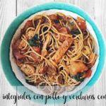 Espaguetis integrales con pollo y verduras con Thermomix