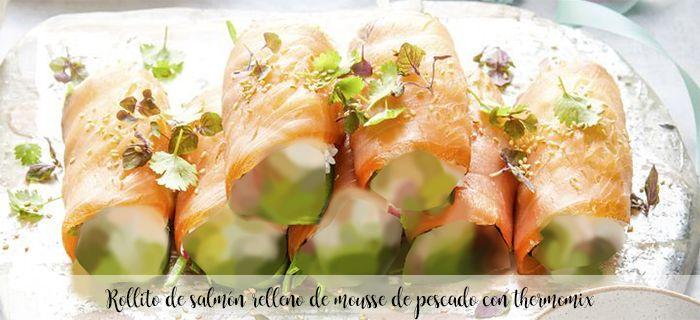 Rollito de salmón relleno de mousse de pescado con thermomix