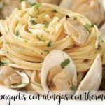 Espaguetis con almejas con thermomix