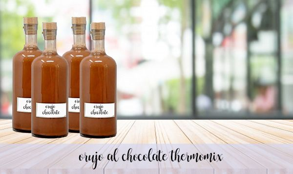 Licor de orujo al chocolate con Thermomix