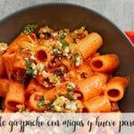 macarrones de gazpacho con migas y huevo para Thermomix