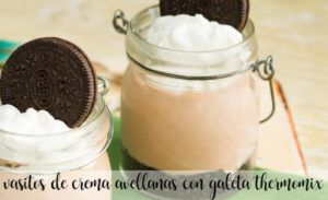 Vasitos de crema de avellanas y galleta con Thermomix